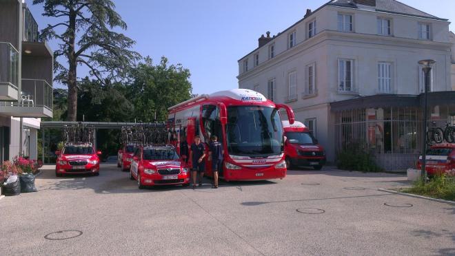 Katusha team vehicles in Tours